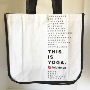 Set of 5 White lululemon Shopping Bag Totes